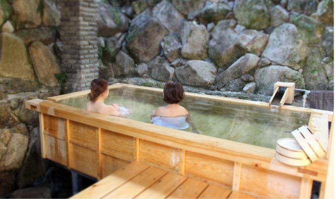 湯来温泉湯元貸切露天風呂「誠の桧湯」